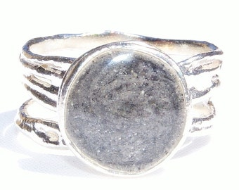 Textured Band Cremation Ring with 10mm Circle Setting - Sterling Silver Pet Ashes Jewelry - Unique Cremation Jewelry