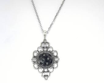 Christmas gift idea - black and white flowers and arabesques pendant necklace chain stainless steel
