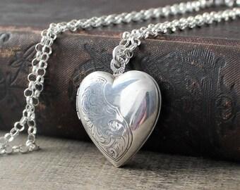 Sterling Silver Locket Necklace, Silver Heart Locket, Vintage Locket Pendant, Garnet Locket, January Birthstone Locket, Push Gift for Her