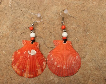 Naturally Colored Scallop Shell with Beads