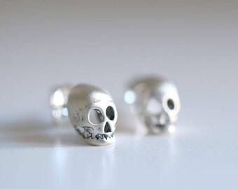 Skull earrings. Sterling silver Skull studs. Skull studs, silver skull, tiny skull studs, skeleton earrings, gothic style, silver earrings.