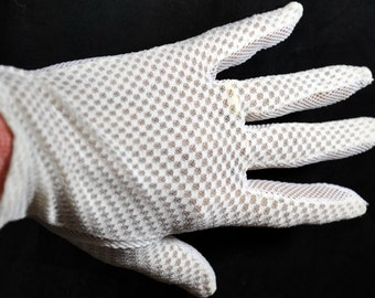 Vintage White Netting and Mesh Ladies Gloves