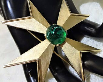 Beautiful Vintage Trifari Flawed Faux Emerald Cabchon Maltese Cross Brooch