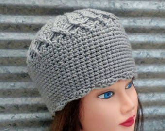 Gray Crocheted Beanie with Scalloped Edging