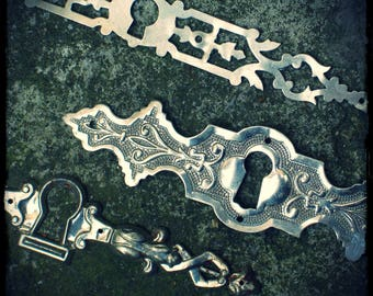 Six escutcheons in silver metal, French vintage, jewelry supplies, stamping, 19th century style