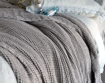 Fossil Grey Waffle Textured Linen Quilt / Bed cover/ Linen Blanket/ Coverlet/ Comforter. Super Heavy weight linen. Large size