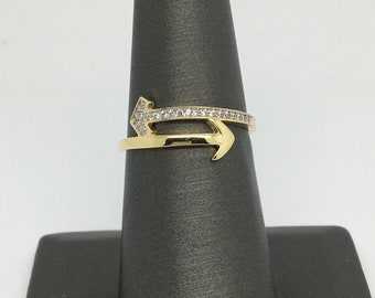 14K Yellow Gold CZ Arrow Ring