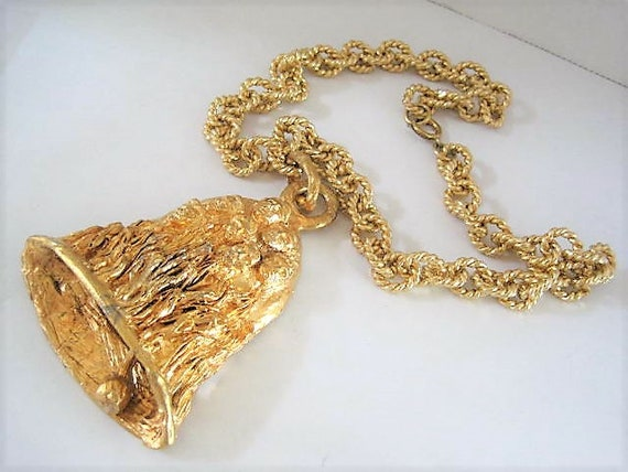 ERWIN PEARL Pendant, Gold Tone Rope Chain, Bell Pendant, Brutalist Style, Gold Tone Faces, Chunky 22 Inch Chain