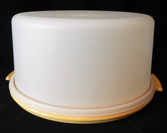"""Vintage Tupperware Large Round Cake Taker - 2pc, 13.5"""" diam, harvest gold, sheer, 1970s, #1256, 1257 - storage, dessert carrier, pies, party"""