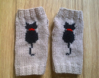 Wrist warmers - cat - kitty - beige black red - fingerless gloves