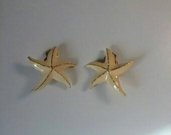 Vintage clip-on earrings, vintage earrings, gold colored earrings, vintage jewelry, 80s jewelry
