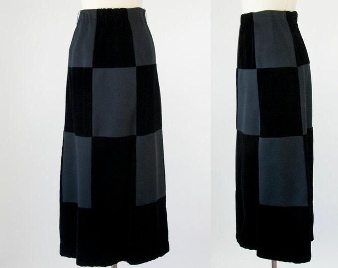 1970s Vintage Black Velvet Maxi Skirt (S)