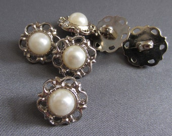 6 Vintage Style Resin Acrylic Faux Pearl Embellishment Button