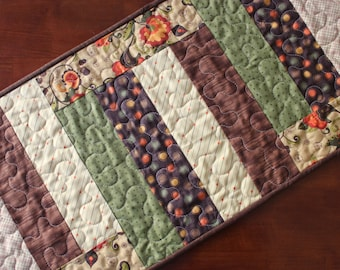 Quilted Fall Table Runner, Thanksgiving Table Runner, Fall Table Topper, Handmade, Fall Decor, Thanksgiving Decoration, Green Cream Brown