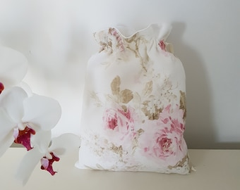 Shabby style pouch