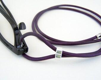Dunkelviolett, Brillen-Schleife, Petrol oder rot, Brillen Halter, Brillen-Halskette, Leder Schlüsselband, von Eyewearglamour