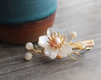 Shell Blossom Pearl Hairpin