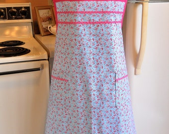 Old Fashioned Plus Size Full apron in Aqua and Pink Floral Size 3XL