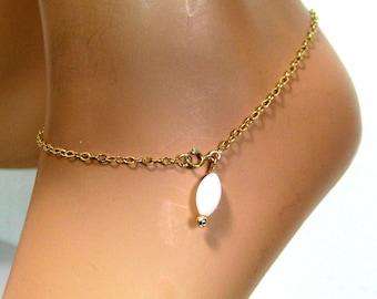 Gold plated ankle chain (gold filled) and mother of Pearl N2556