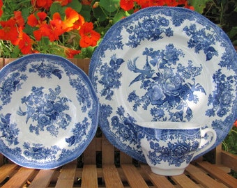 Johnson Bros Asiatic Pheasants Blue Transferware 5 pieces, Placesetting Dinner plate cereal bowl coffee tea cup mug 2 salad dessert plates