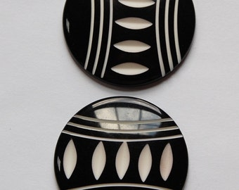 Black and White Etched Vintage Lucite cabochons 30mm cab513