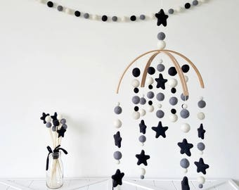 Monochrome & Stars Baby Mobile, Felt Ball Mobile, Cot Mobile, Nursery Mobile, Crib Mobile, Custom Made Mobile, Pom Pom Mobile, Baby Shower