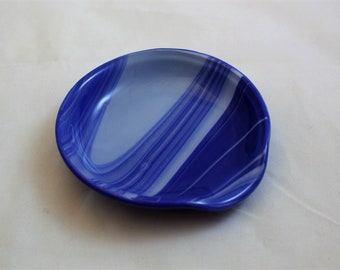 Dark Blue and White Spoon Rest, Round Fused Glass Spoon Rest, Spoon Holder, Spoonrest. Gift for Hostess,  Love to Cook,  Gift for Chef,