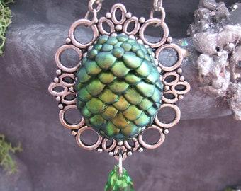 Green/golden Dredge Egg necklace