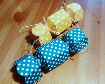 Candy box yellow pois