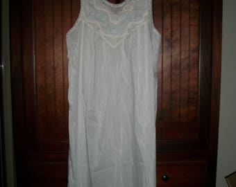 Vintage White Silk Blend Embroidered Modest Night Gown Size S