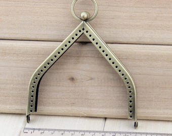 1 PCS, 11cm Width, Triangle Shape Kiss Lock Purse Frame, K078