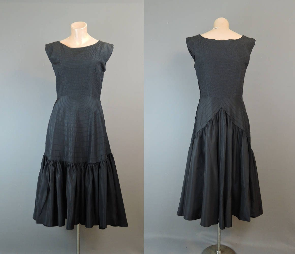 1950s Vintage Party Dress 36 bust Pintucked Taffeta with