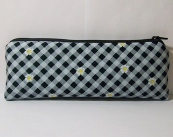 """Pipe Pouch, Daisy Gingham Bag, Pipe Case, Pipe Bag, Glass Pipe Cozy, Padded Pouch, Zipper Bag, Hippy Bag, 420 Gift, Smoke Bag - 7.5"""" LARGE"""