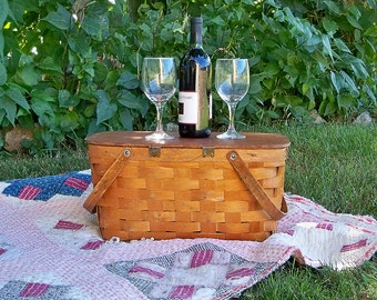 Mid Century Wood lattice Slat Picnic Basket
