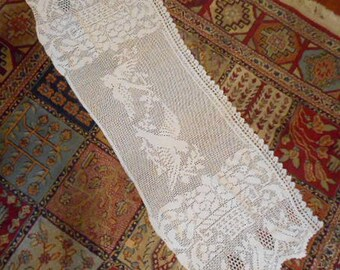 """Darling BLUEBIRDS DRESSER SCARF Table Runner, Rare Antique Edwardian Crochet Lace, Detailed Swooping Birds White Cotton, Rare Find 16"""" x 44"""""""