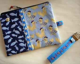Maritime Reissverschlusstasche mit passendem Schlüsselanhänger ,Etui, Seerobben,Fische,blau, Segelboote, handmade
