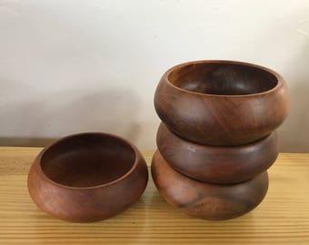 Vintage Set of 4 Teakwood Bowls / Wooden Bowls. Wood Salad Bowls.