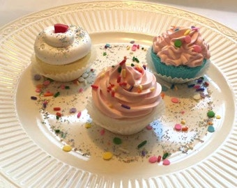 Mini BombCakes Bath Bomb Cupcakes are Vegan Friendly, Sulfate Free, Paraben Free and Phthalate Free Tub Treats for Kids of All Ages!