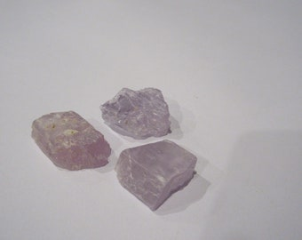 3 Kunzite Natural Pieces (total weight 25g)