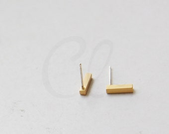 2 Pieces (One Pair) Premium Matte Gold Plated Brass Base Earring Post - Bar - Rectangle 9.15x2.2mm (3139C-N-232)