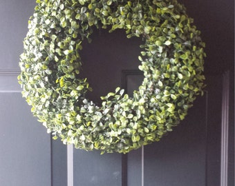 Boxwood wreath/front door wreath/door wreath/hoilday wreath/artificial boxwood/summer wreath / spring wreath / fall wreath