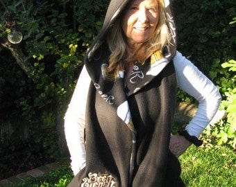 Beer Wench - Hooded Scarf with pockets