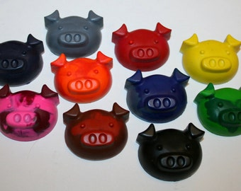 Set of 10 Colorful Pig Crayons