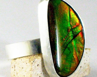 Sterling Rainbow Ammolite Stone Ring (color changer)