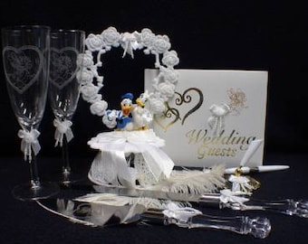 DISNEY Donald Groom & Dasiy Duck LOT Wedding Cake Topper , glasses, knife and server set. Guest book with pen and Holder. Funny set adorable