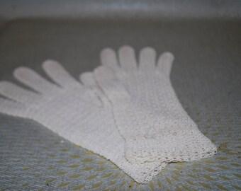 Crocheted Ivory Gloves