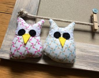 """Helter Skelter """"little owls"""" wood color linen and gray photo holder"""