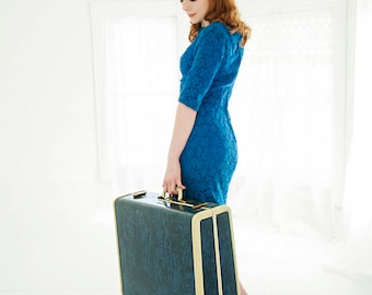 Vintage 1940s blue suitcase, large Samsonite hardshell hard case travel luggage, original keys