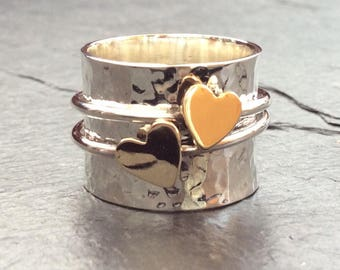 Gold hearts spinning ring