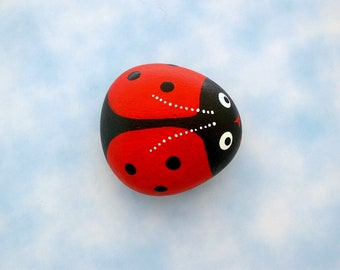 Ladybug painted pet rock Mothers Day grandmother nana gifts spring garden patio yard art lucky ladybird beetle glossy ruby red FREE SHIPPING